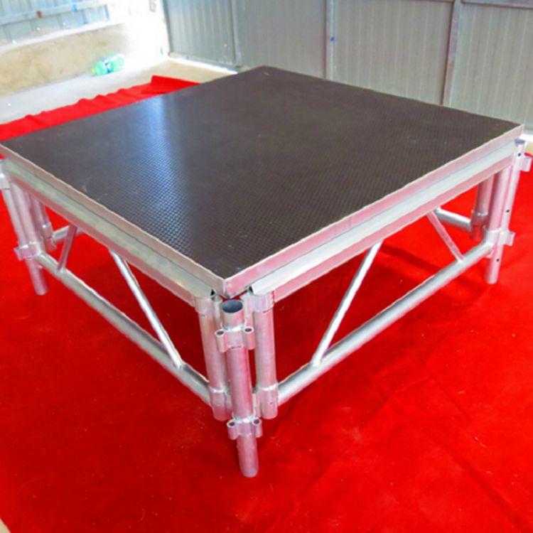 truss plywood red Round Stage